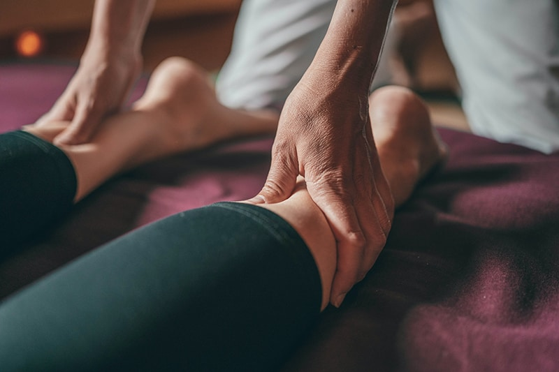 What To Look for in a Physical Therapist   Newport Medical and Wellness